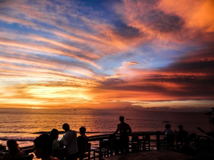 Pôr do Sol em Uluwatu, na frente do Blue Point Beach